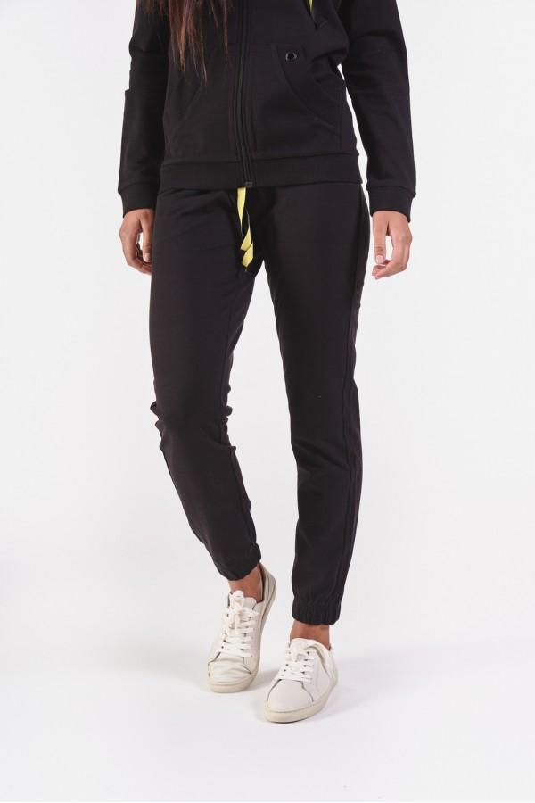 Czarne spodnie dresowe ze ściągaczami