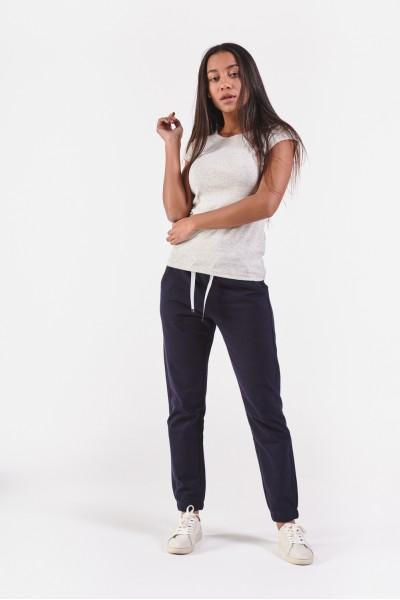 Granatowe spodnie dresowe...