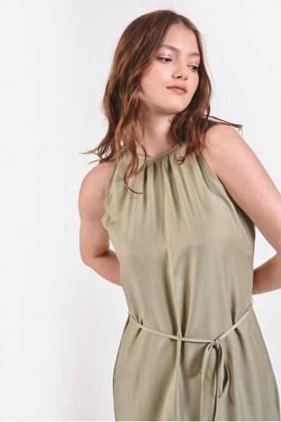 Sukienka maxi z odsłoniętymi ramionami