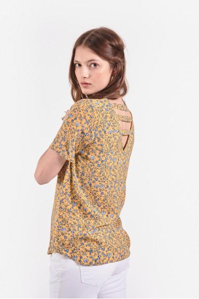 Bluzka z wycięciem na plecach