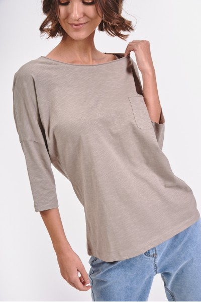 Koszulka z kieszonką na piersi