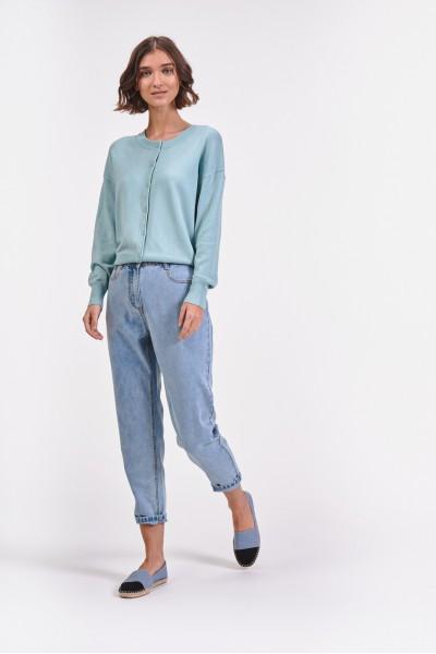 Jasne spodnie dżinsowe
