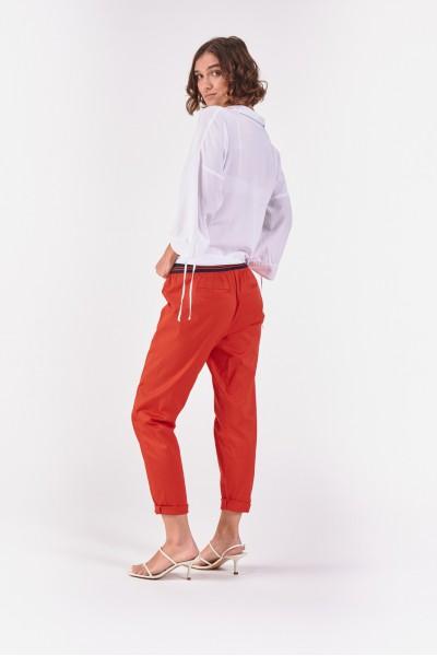 Czerwone spodnie