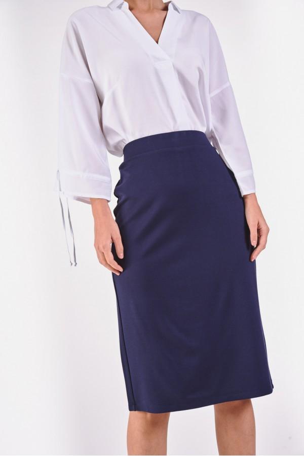 Ołówkowa spódnica z gładkiego materiału