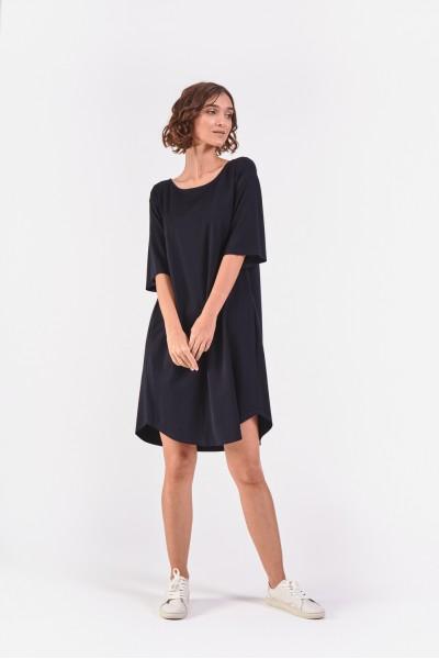 Sukienka z zaokrąglonym dołem