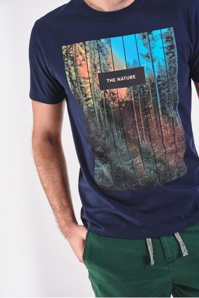 Koszulka z nadrukiem lasu