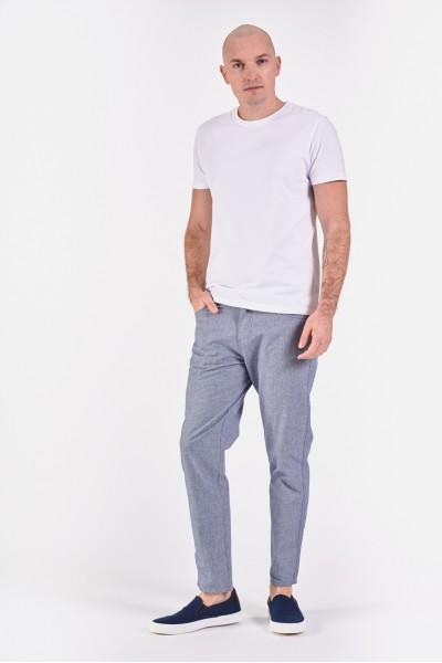 Materiałowe spodnie z normalnym stanem