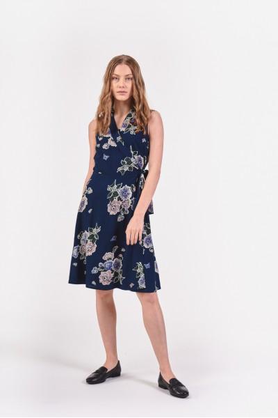 Kwiecista sukienka kopertowa