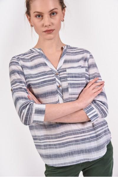 Koszula z dekoltem V