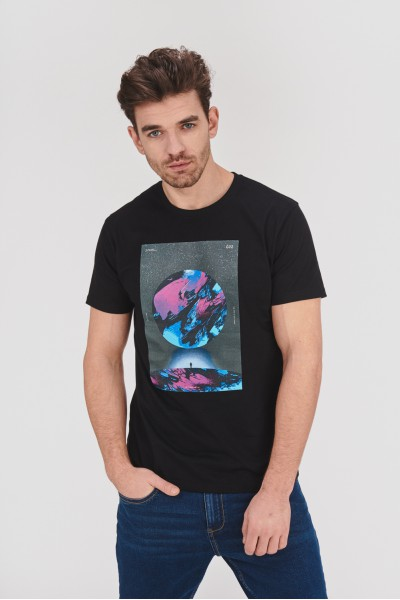T-shirt z kosmicznym nadrukiem