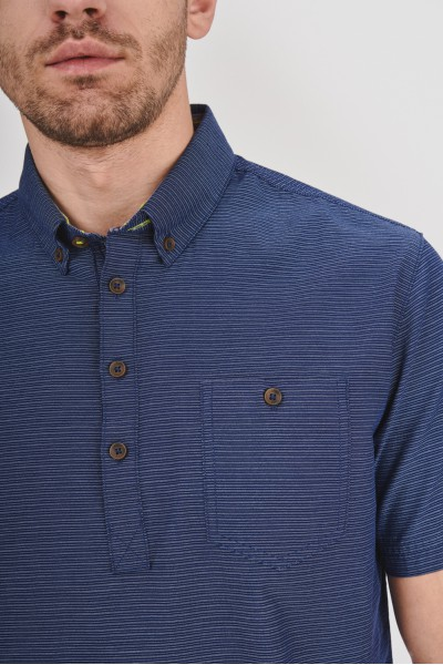 Koszula regular z guzikami przy kołnierzu