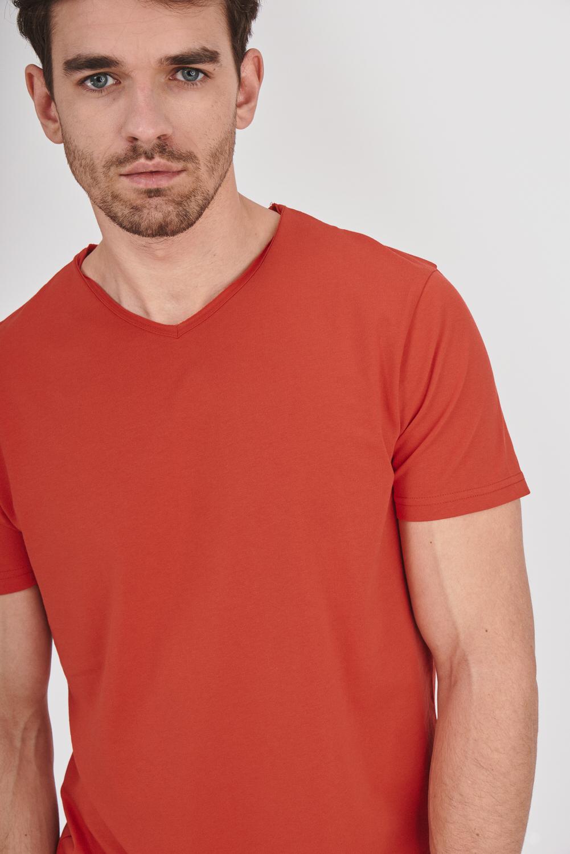 Gładka koszulka z dekoltem w serek