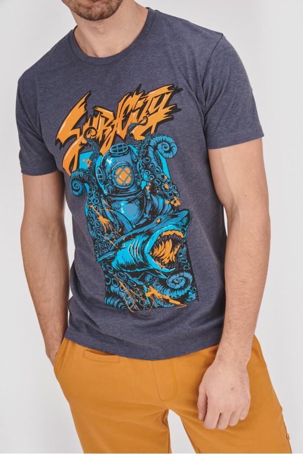 T-shirt z rekinem