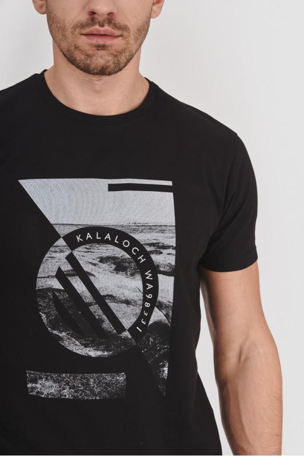 Koszulka z biało-czarną grafiką