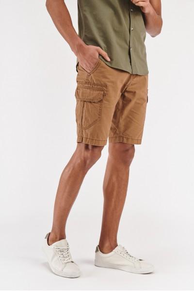 Szorty z kieszeniami na nogawkach