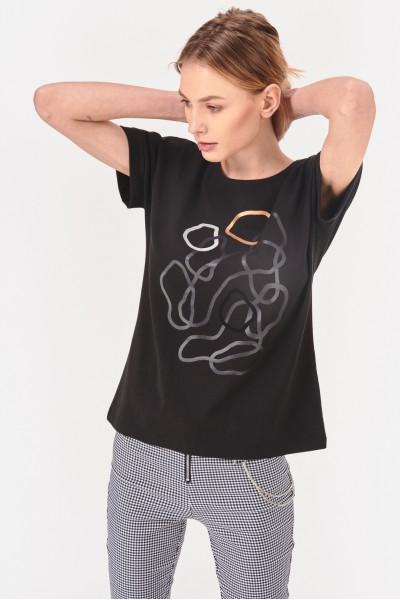 Koszulka z liniowym nadrukiem