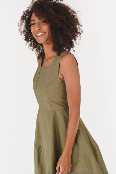 Rozkloszowana sukienka mini