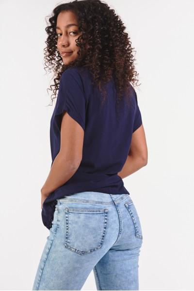 Spodnie z jasnego denimu