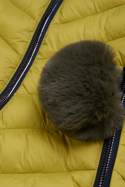 Płaszcz z połyskującego materiału wierzchniego