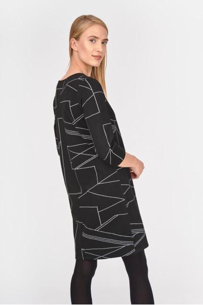 Sukienka w geometryczne wzory