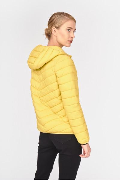 Krótka pikowana kurtka
