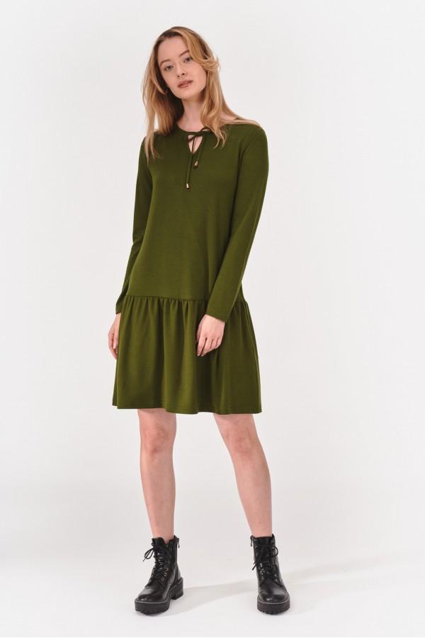 Sukienka z gładkiego materiału