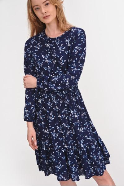 Sukienka ze ściągaczem w talii