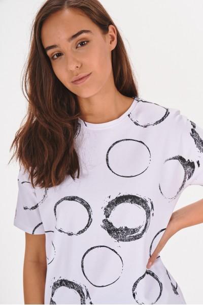 T-shirt w nieregularne wzory