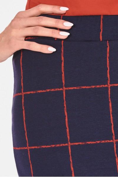 Materiałowa spódnica w kratę