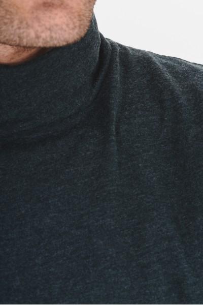 Gładka koszulka z golfem