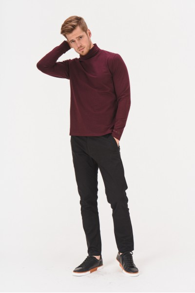 Czarne spodnie na co dzień