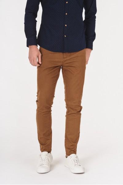 Klasyczne spodnie z kieszeniami