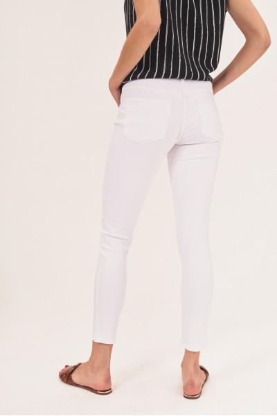 Dopasowane spodnie slim fit