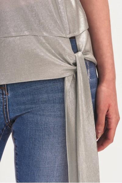 Połyskująca bluzka